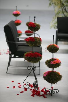 Simple fresh floral decoration into lobbies/waiting rooms by Inna Petrenko