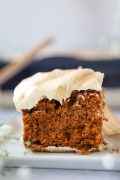 Pumpkin Cake - PaleOMG Paleo Sweets, Gluten Free Sweets, Paleo Dessert, Gluten Free Baking, Healthy Desserts, Paleo Baking, Pumpkin Cheesecake Muffins, Berry Cake, Canned Pumpkin