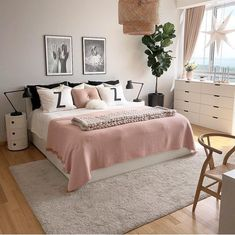How to choose curtains for a bedroom? - Home Fashion Trend Small Room Bedroom, Home Bedroom, Room Decor Bedroom, Bedroom Inspo, Bedroom Ideas For Small Rooms For Adults, Preteen Bedroom, Cat Bedroom, Pink Bedrooms, Modern Teen Bedrooms