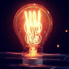LinDialoog En mijn laatste, lokale trots: een stukje @Philips! #Synchroonkijken #licht #latergram