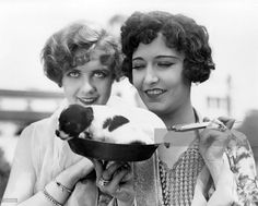 0 anita page and mila parely with puppy in a pan