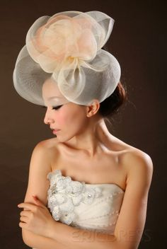 Doesn't seam like a bridal hat, but by itself I super love it!