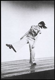 Yvonne Rainer Trio A, 1973 The Portland Center for Visual Arts When Yvonne Rainer stepped onto the dance stage in 1960, she radically changed the genre. Her minimalist choreographies dispensed with narrative and overstatement. Instead they used movements and poses from everyday life, combined with texts, films and sound recordings. Already her dance adopted the means of film montage.