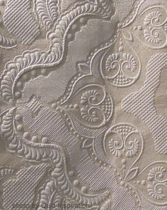 close up, Swan's Song by Lisa Calle.  Best Machine Quilting, 2013 Houston IQF.  Photo by Quilt Inspiration.