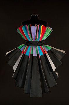 Roberto Capucci.  Sculpture Dress, 1989, silk taffeta.  Philadelphia Museum of Art