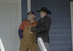 Randy and Myers Jackson the auctioneer wait for potential buyers to show up on reality tv show #texasflipnmove.