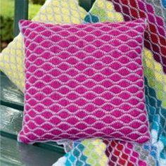 Inside Crochet 2014 by Dianne Guenther - issuu Love Crochet, Beautiful Crochet, Knit Crochet, Crochet Cushions, Crochet Pillow, Crochet Blankets, Knitting Patterns, Crochet Patterns, Boyfriend Crafts