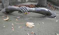 """Ahh! I got ahold of a hand! I can pull myself out! Oh, wait...that's my other hand. Shit."" Pere Lachaise, Paris"