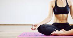 Yoga trägt nicht nur zur mentalen Entspannung bei, sondern insbesondere zur körperlichen Fitness. Denn die folgenden drei Übungen sind der beste Weg zum perfekten (Bikini-)Bauch