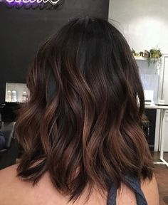 Brown Hair Balayage, Hair Color Balayage, Brown Hair With Highlights, Brunette Balayage Hair Short, Brown Hair Colors, Balayage Hair For Brunettes, Dark Brown Balayage Medium, Brunette Hair Highlights, Hair Colour Ideas For Brunettes