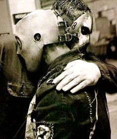 Paul Gray and Corey Taylor This breaks my heart ......