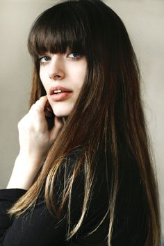 fringe hairstyle is loved by many girls. Looking for some Sexy Side Fringe Hairstyles? Today I have something for you! Discover 10 Sexy Side Fringe Hairstyles For Long Hair. Long Hair With Bangs, Haircuts With Bangs, Long Hair Cuts, Haircut Bangs, Bangs Hairstyle, Medium Hair Cuts, Medium Hair Styles, Curly Hair Styles, Side Fringe Hairstyles