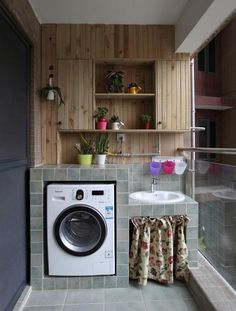 Without us knowing the laundry room plays an important role to organize all our daily needs. Whether it's for washing, ironing or drying clothes, we will often spend time in this place Outdoor Laundry Rooms, Tiny Laundry Rooms, Laundry Room Design, Home Room Design, Interior Design Living Room, Interior Livingroom, Simple Balcony Designs, Apartment Balcony Decorating, Home Decor Hacks