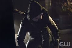 """Arrow – """"Lone Gunman"""" -- Image AR103a_0624b. Pictured: Stephen Amell as Arrow -- Photo: Jack Rowand/The CW -- ©2012 The CW Network. All Rights Reserved."""