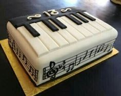 My Faves Journal Veagan Treats Piano Music Themed Cakes, Music Cakes, Cupcakes, Cupcake Cookies, Beautiful Cakes, Amazing Cakes, Bolo Musical, Torta Angel, Piano Cakes