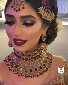 Bridal Makeup Images, Asian Bridal Makeup, Asian Bridal Dresses, Bridal Makeup Looks, Pakistani Wedding Dresses, Bridal Outfits, Indian Makeup, Arabic Makeup, Pakistani Bridal Jewelry