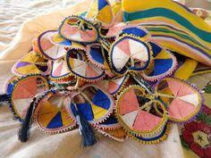 ege bölgesi efe oyası Needle Lace, Needle And Thread, Crochet Hooks, Knit Crochet, Project Free, Cross Stitch Needles, Embroidery Needles, Ancient Art, Textile Art