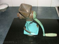 Genuine authentic Vintage Original Harper Limpet food mincer It is made of a very heavy soli. Selling Furniture, Find Furniture, Antiques For Sale, 1950s, The Originals, Amazing, Vintage, Food, Eten