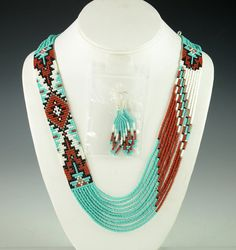 bench necklace