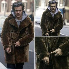 Here we have Harry pointing at his wrist. He's trying to tell us that we're running out of time to get Just Hold On to a top of chart before Christmas. SO WE BETTER LISTEN TO HARRY AND KEEP STREAMING Y'ALL LAZY ASS.