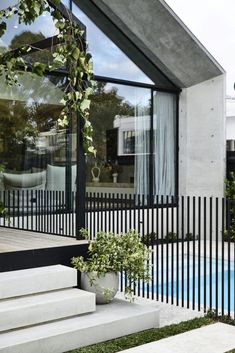 Scandizzo House designed by Kennon+ and built by DuoBuilt reflects architect Pete Kennon's exploration of the relationship between architecture, memory and identity. Backyard Pool Designs, Swimming Pools Backyard, Pool Landscaping, Interior Architecture, Interior And Exterior, Chinese Architecture, Futuristic Architecture, Residential Architecture, Contemporary Architecture