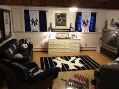 Yankees haven, this will be what Tom's man cave will look like hahaha Man Cave Room, Man Cave Home Bar, Rustic Man Cave, A New York Minute, Ultimate Man Cave, Toms, Woman Cave, New York Yankees, Yankees Fan