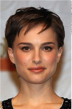 Pixie hairstyles seem to suit Natalie Portman very well as she is seen here with another cute pixie style. This celebrity looks chic and classy with this ...