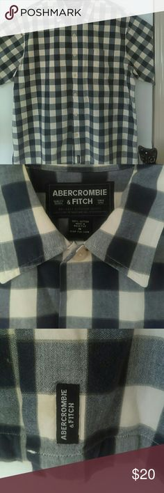 ABERCROMBIE & FITCH Men's Casual Shirt Men's buttoned down collared shirt w/ pocket, off white checked with shades of dark and lighter blue squares. 100% cotton. Like New hardly worn. Ambercrombie & Fitch Shirts Casual Button Down Shirts