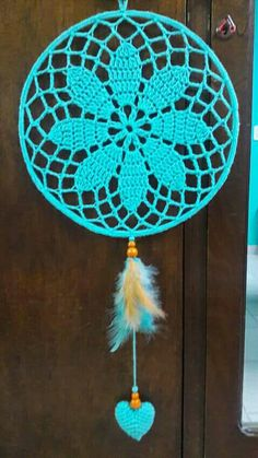 New crochet mandala doily dream catchers Ideas Crochet Dreamcatcher Pattern, Mandala Au Crochet, Crochet Doilies, Crochet Flowers, Crochet Home, Crochet Gifts, Diy Crochet, Doily Dream Catchers, Dream Catcher Craft