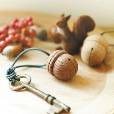 Acorn key holder From Japan.
