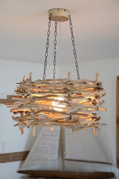 Treibholz-Deckenleuchte SEEKER ~ driftwood ceiling lamp - All For Decoration Driftwood Chandelier, Chandelier Lighting, Home Crafts, Diy Home Decor, Ceiling Lamp, Ceiling Lights, Driftwood Crafts, Driftwood Furniture, Wood Lamps