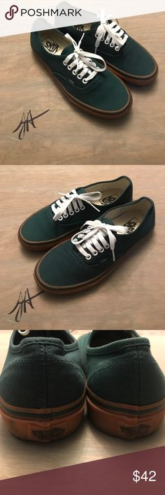 Hunter Green Gum Bottom Vans ✨ Hunter green gum bottom vans - excellent  condition‼️Men s size  7.5 women s size  8.5 Vans Shoes Sneakers 4a971a546