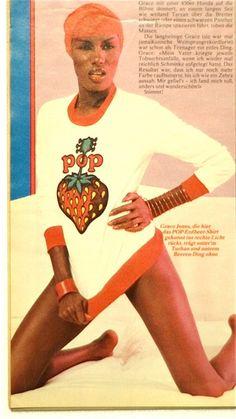 STRAWBERRY POP Nova - 1970. WONDER WORKSHOP - Molly White & John Dove