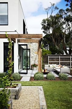 dual-purpose holiday home The charming garden evokes villas in Italy. Key plants include French lavender…The charming garden evokes villas in Italy. Outdoor Rooms, Outdoor Gardens, Outdoor Living, Outdoor Decor, Outdoor Fire, Pergola Patio, Backyard Landscaping, Landscaping Ideas, Timber Pergola