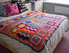 Multi Stitch Crochet Afghan, no pattern or item listed for sale, crochet…Amazing crocheted blanket in a rainbow of colours: pink (lots), red, turquoise…Groovy Crochet Patterns I like the sampler feelGroovy Crochet Patterns--this would be easy wor Beau Crochet, Crochet Patron, Crochet Home, Crochet Crafts, Crochet Projects, Diy Crafts, Crochet Bedspread Pattern, Crochet Motifs, Crochet Squares
