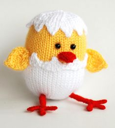 Knitting Pattern for Hatching Easter Chick - Toy chick knit in the round approximately 3,93 inches (10cm) . DK yarn. Designed by Deniza's Toys Joys. The designer also takes orders for the completed toy.