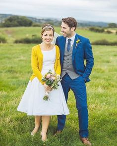 1) Simple white dress with matching cardigan - This is a no frills, no fuss dress that is eloquent and simple in design and shifts the entire focus of the intimate ceremony fully on the celebration of love between the bride and groom �� #lowbudgetwedding #casualweddingdress http://gelinshop.com/ipost/1517832199462172801/?code=BUQbFf1l7iB