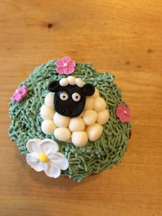 Sheep cupcake Easter