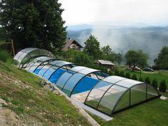 Posuvné zastřešení bazénu systémem COMBI vyrábí a dodává firma Alukov a.s.