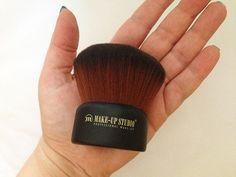 Kabuki Brush by Make-up Studio
