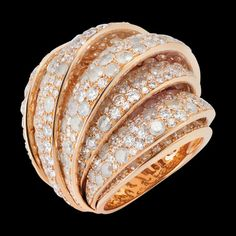 c72d67ac132 High jewellery is the purest expression of de Grisogono style.