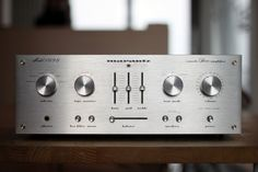 Marantz 1090 Vintage hi fi stereo equipment integrated amplifiers