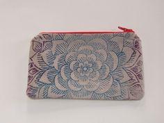Kleines Etui mit floralem Muster von  Handbedruckte Unikate aus Stoff und Papier auf DaWanda.com