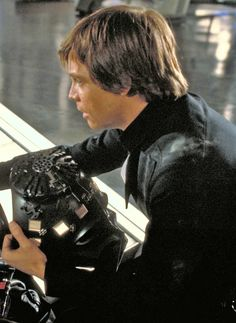How many other people have noticed that when Luke gets captures, he's not wearing his Jedi garb. I noticed that the first time I saw it, and I was like freaking out because I was afraid that meant he was ready to leave his path to become a Jedi and turn to the Darkness.