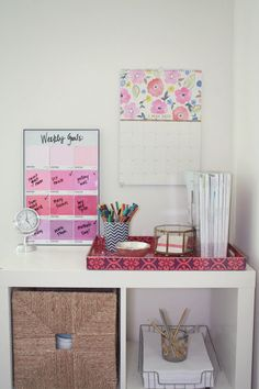 Burlap & Lace: $4 DIY Pantone Paint Chip Memo Board