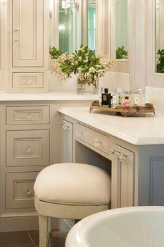 Bathroom Decor countertop Traditional gray bathroom features gray shaker vanity cabinets paired with white quartz countertops. Bathroom Vanity Stool, Kitchen Cabinets In Bathroom, Buy Kitchen, Vanity Cabinet, Grey Bathrooms Designs, Bathroom Vanity Designs, Best Bathroom Vanities, Bathroom Ideas, Small Bathroom