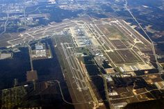 George Bush Intercontinental Airport - Houston, Texas Been To This Airport! Airport Transportation, Transportation Services, George Bush Intercontinental Airport, Plane Photos, Texas Usa, International Airport, Wonderful Places, Travel Usa, Airplane View