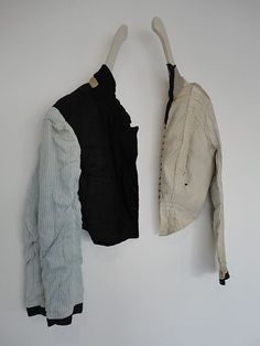 manon gignoux - no back just sleeves Sculpture Textile, Art Textile, Textile Artists, Magnolia Pearl, Yohji Yamamoto, Fashion Collage, Fashion Art, Textiles, Love Collage
