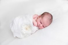 Sample bedtime routine and tips for sleep training a baby the gentle way. No cry it out or constant checks. Get a good night's sleep!