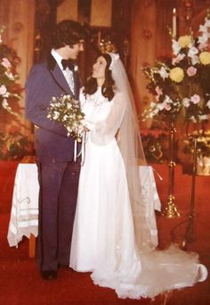 southern brides 1977 images - Google Search Chic Vintage Brides, Vintage Wedding Photos, Vintage Bridal, Vintage Weddings, Wedding Pictures, Beautiful Wedding Gowns, Beautiful Bride, 1970s Wedding, Fairytale Gown